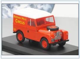 ! LAN188017 Land Rover Series I Hardtop -Bertram Mills Circus-, Oxford 1:43, NEU - Bild vergrößern