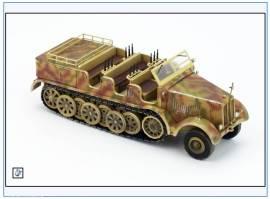 PMA0319 Sd.Kfz.8 DB10 12-to Halbkette Zugmaschine,sand,PMA 1:72,NEU& - Bild vergrößern