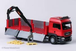 !50595 MAN TG-S LX 3-achs. Baustoffpritsche mit HIAB Kran, rotes Fahrerhaus EMEK 1:25 - Bild vergrößern