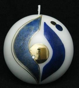 Kugelkerze -Ruhe- blau auf weiss, Handarbeit, 10cm Kugel - Bild vergr��ern