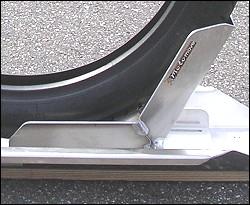 motorrad vorderradhalter wippe motomove online shop motorrad sicherer stand. Black Bedroom Furniture Sets. Home Design Ideas