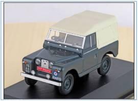 ! LR2S007 Land Rover Ser.II SWB RAF Police, Oxford 1:43, NEU 1/2021 - Bild vergrößern
