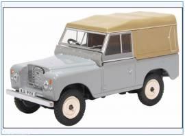 ! LR3S003 Land Rover Series III SWB Pritsche/Plane, hellgrau,Oxford 1:43,NEU 2/20 - Bild vergrößern